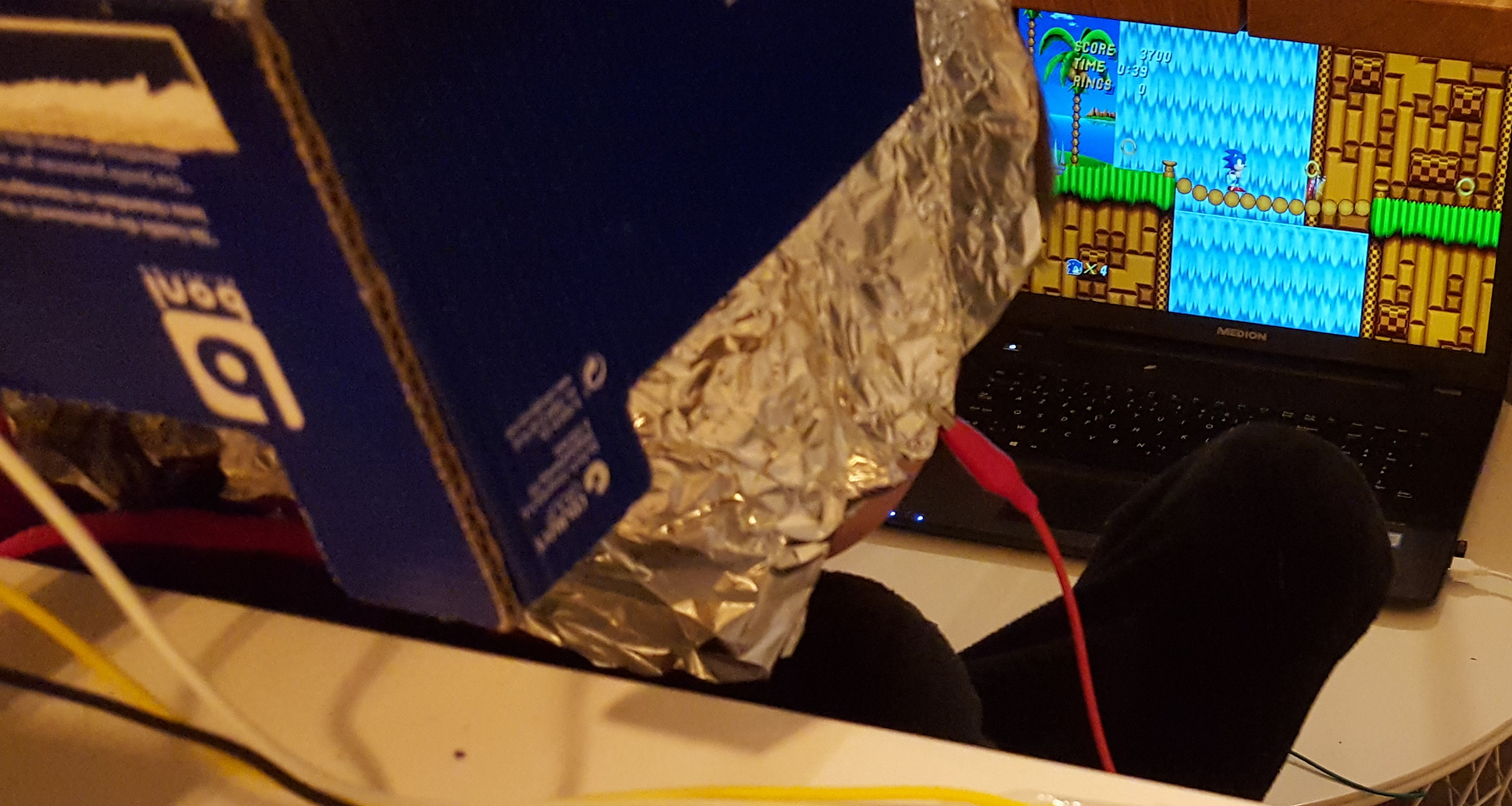 MakeyMakey aluminium foil head controls