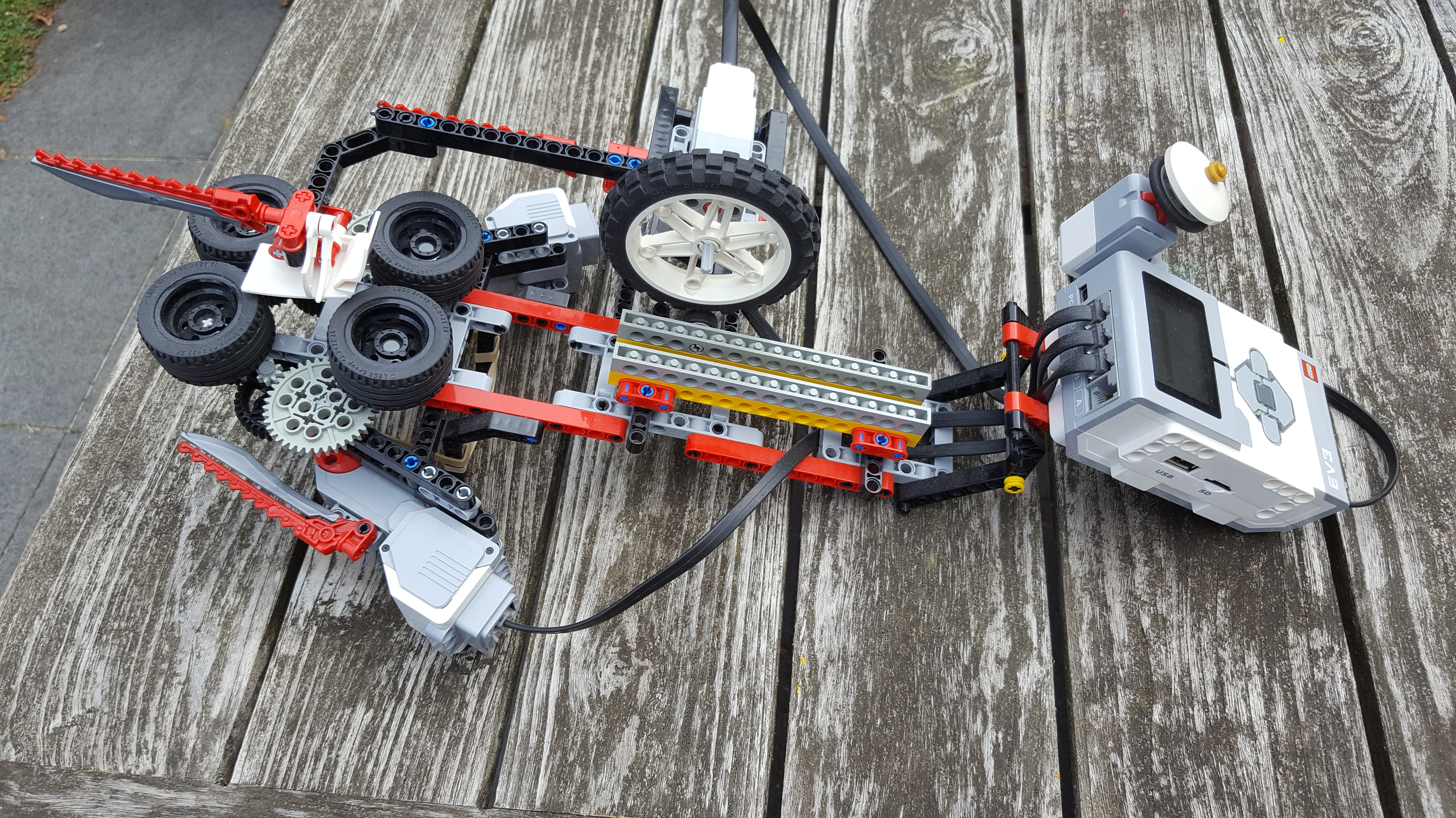 Lego Mindstorms EV3 Paper Plane Launcher side view
