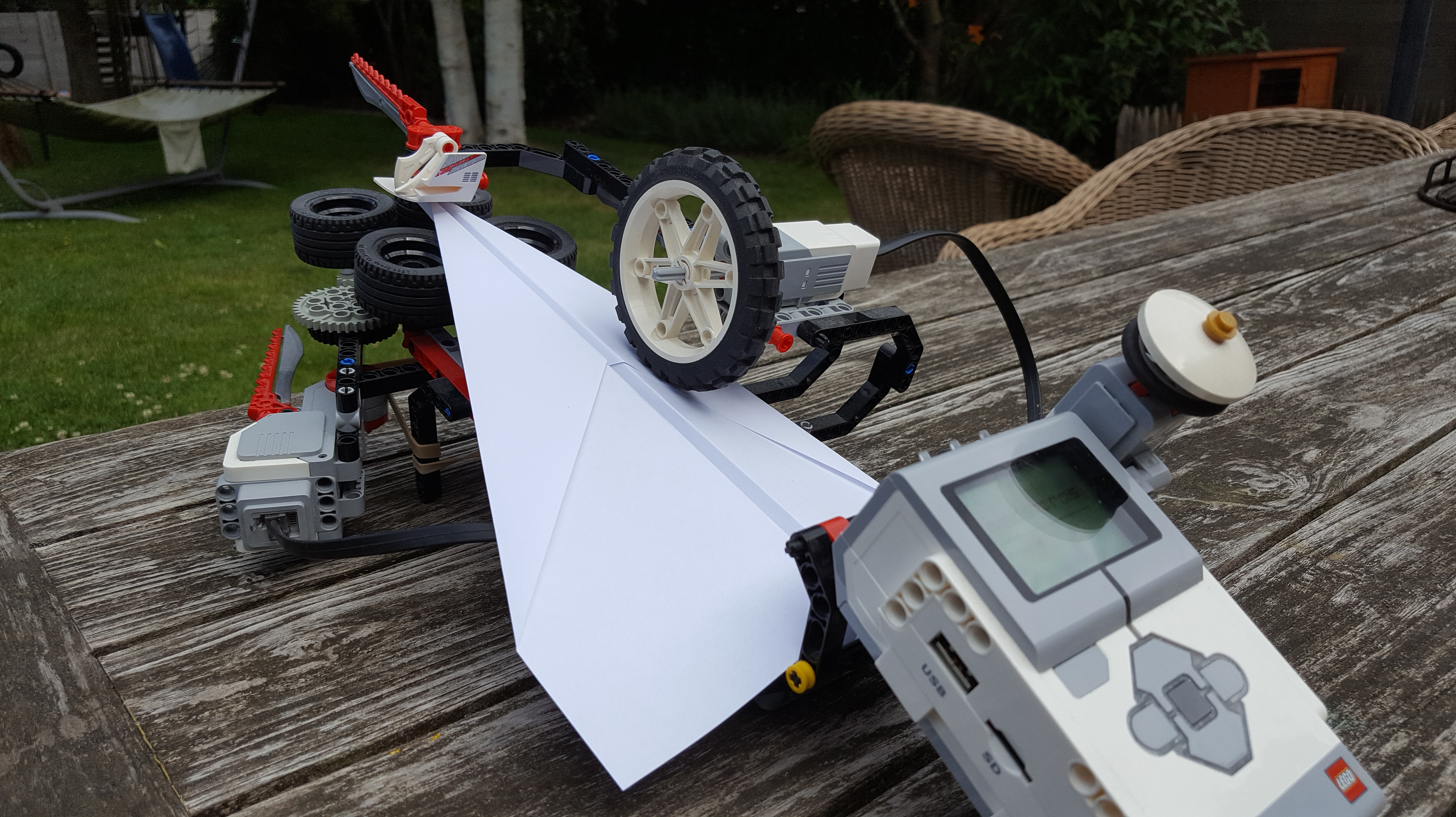 Lego Mindstorms EV3 Paper Plane Launcher back view